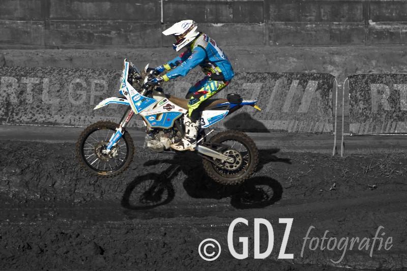 17-GDZ_3516